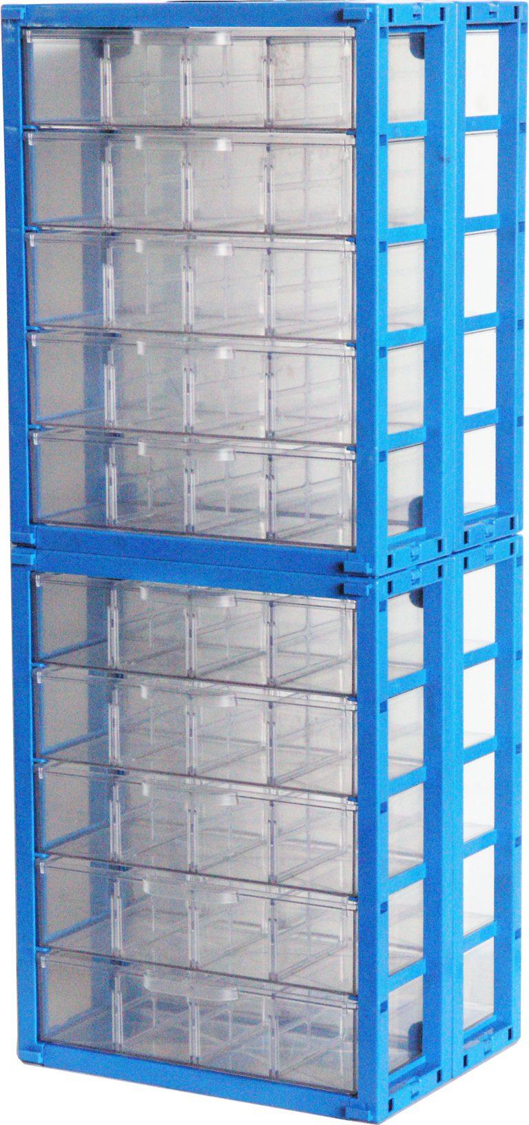 """ליגום מפתחת ומייצרת במפעלה שבחולון , מגוון פתרונות אחסון מפלסטיק . מערכת אחסון מודולרית מאפשרת שילוב של תאי פלסטיק שקופים , מגירות פלסטיק שקופות, תאים קטנים וגדולים נשלפים. רב תא בגדלים . תאי הפלסטיק השקופים מיוצרים מחומר מחוזק לעמידות בנגיפה , חומר הגלם הפלסטיק השקוף הוא ממשפחת חומרי גלם ABS . יתרון בולט של החומר הוא בעמידות לטווח שימוש של שנים רבות , עמידות בשמנים וכימיקלים . מחיצות שקופות וקופסאות פלסטיק קטנות – חלוקת שטח מגירות פלסטיק אטומות / תאים קטנים שקופים / תאים גדולים שקופים לתאי אחסון קטנים יותר על ידי התאמת מספר המחיצות הנדרשות לצרכי האחסון. מגירות פלסטיק שקופות בגדלים שונים, בנייה מודולרית של מגירות פלסטיק קשיחות ללא צורך במידוף מתכת. חלוקת מגירות לפי מטרות בהתאמה. מחלק מגירות. חוצץ פלסטיק למגירות. הוספת מחיצות לחלוקה פנימית של מגירות הפלסטיק. מחיצות המאפשרות לעצב ולתכנן את שטחי האחסון בתוך תאי הפלסטיק בהתאם לצרכים ולמוצרים המאוחסנים בתוכן. ניתן לנצל את שטח האחסון באופן אופטימלי ו""""להרוויח"""" מקום אחסון נוסף על ידי חלוקה חכמה של פנים תאי הפלסטיק."""